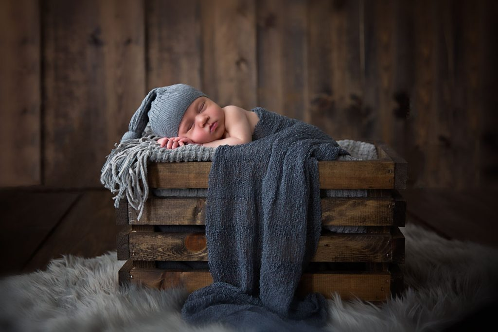 Harrodsburg, KY newborn photography picture of baby in a wooden crate sleeping