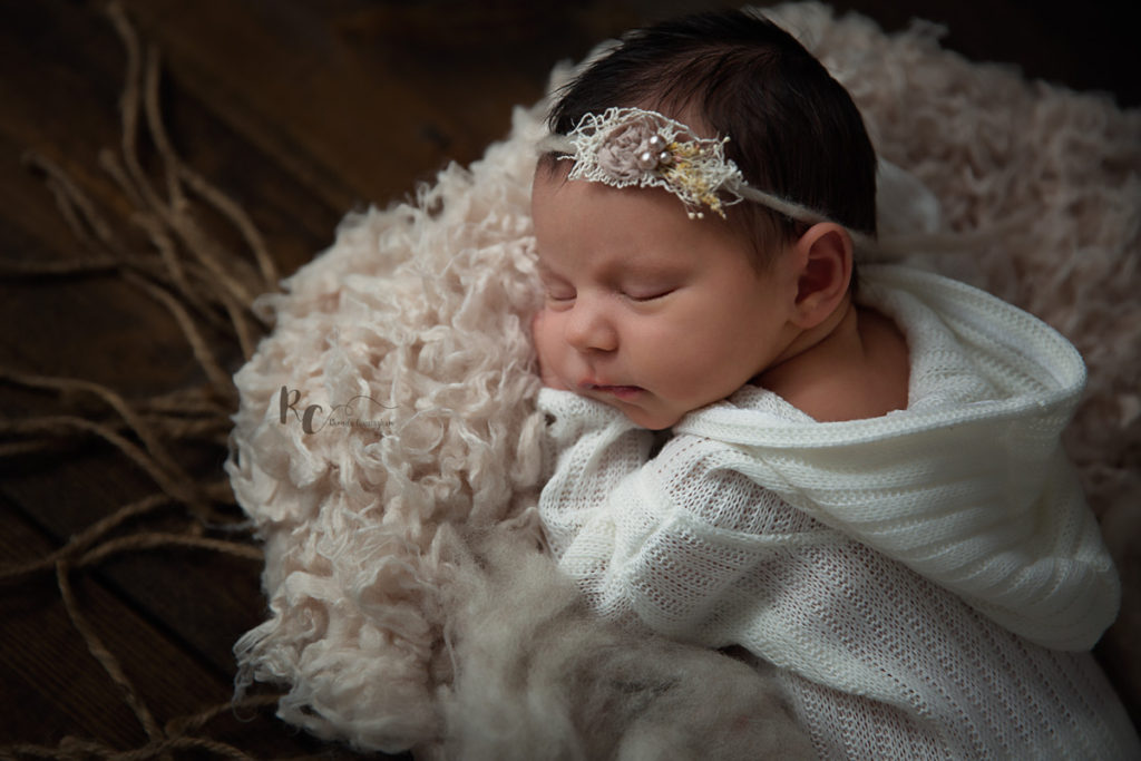 Rustic newborn portrait by Rhonda Cunningham Photography, Lexington Ky newborn photographer